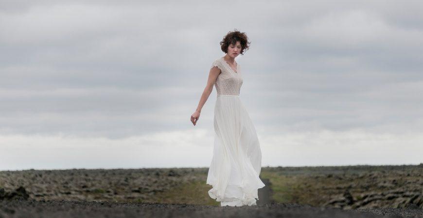 Brautkleid-Jitka2-thereseundluise-2018-spitze-georgette-tiefer-rückenausschnitt