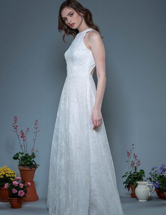 Brautkleid-Leyla-thereseundluise-bestickter-tüll-großer-rückenausschnitt