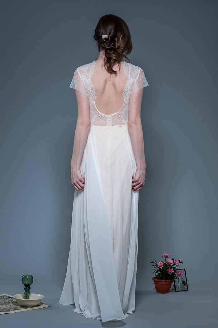 Brautkleid-Lorena-thereseundluise-spitze-tiefer-ausschnitt-hinten-kleiner-Ärmel-recycled-pet